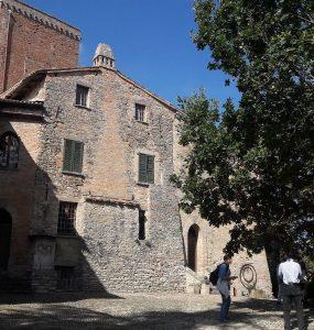 Castello DalVerme-Torre degli Alberi© Associazione Calyx